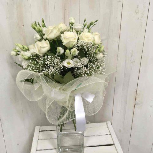 Bouquet di fiori misti h.60cm con lisiantus rose e gipsofila-min