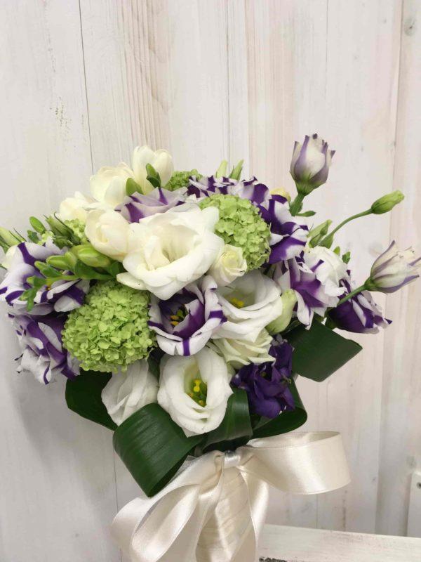 Bouquet di lisianthus e fresie